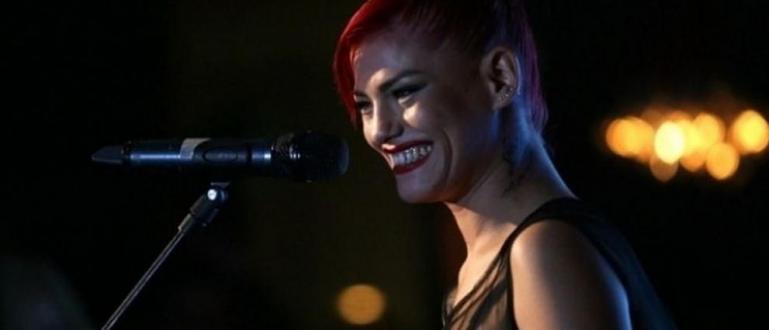 Една от най-талантливите ни български певици съобщи във Фейсбук, че