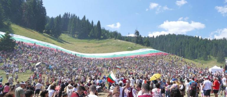 На Роженските поляни край Смолян официално беше открит Националният събор