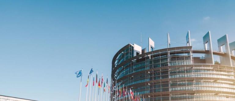 Европейският парламентсе събира в Страсбургза първото си заседание от новия