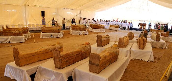 Снимка: 30 дървени саркофага на над 3000 години открити в Египет