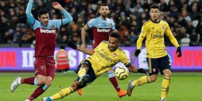 Отборътна Арсенал победис3:1Уест Хем в двубой от 16-и кръг на