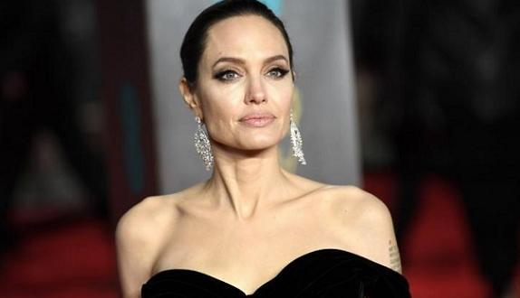 Тайни снимки на Анджелина Джоли, правени от Брад Пит по