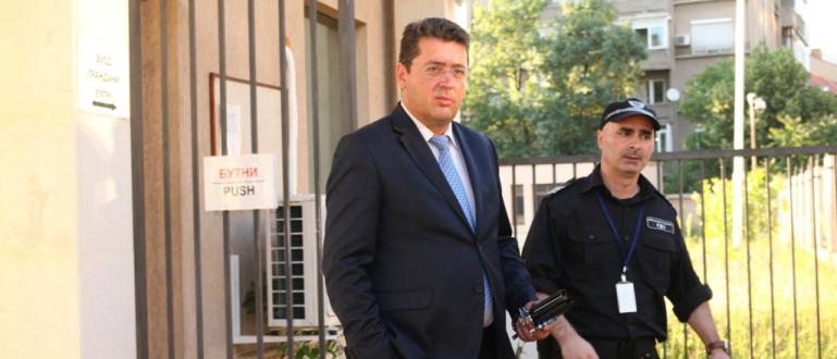 Юридическият съветник на президента Пламен Узунов е с повдигнато обвинение