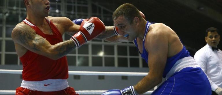 Българските боксьори Даниел Асенов (52 кг), Благой Найденов (81 кг)