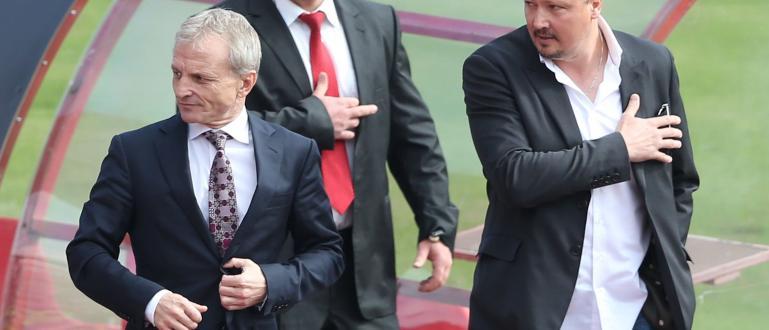 В момента тече срещата между водеши фенове на ЦСКА и