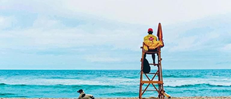Мъж на 36 години се е удавил край плажа на