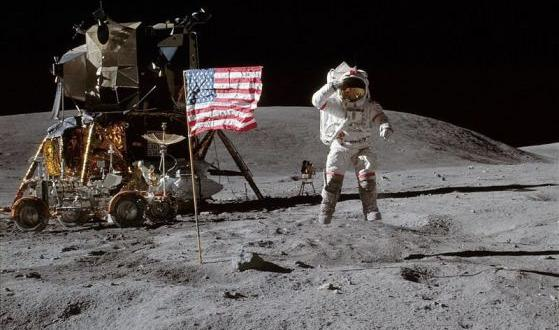 НАСА завърши новатаракета, която ще отведе американските астронавти обратно на