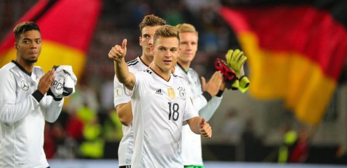 Инициативата на германските футболни национали Йошуа Кимих и Леон Горецка,