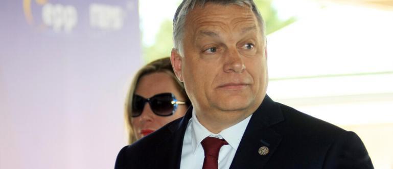 Унгарският премиер Виктор Орбан обръщагръб на опетнения от скандал председател