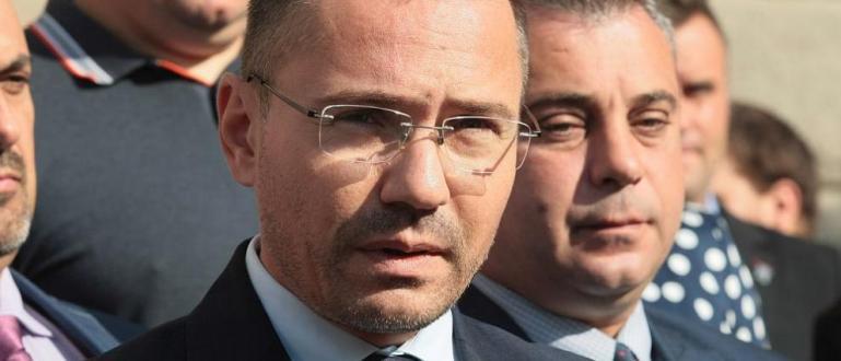 ВМРОиздигна евродепутатаАнгел Джамбазкиза кмет наСофия. Това съобщи председателят на партията