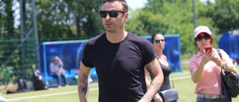 Футболният ас Димитър Бербатов стана съсед на Лили Иванова. Той