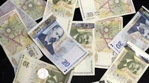 2,3 милиона души в България живеят с доход около линията