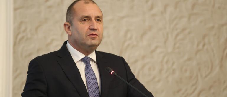 Държавният глава издаде указ за освобождаването на Сотир Цацаров от
