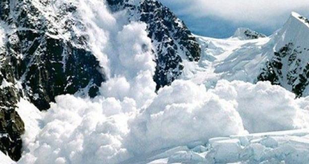 Планинските спасители от Банско извадиха жив руснак, затрупан от лавина