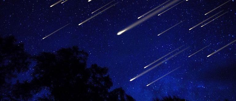 Двойно повече падащи звезди ще наблюдаваме в следващите дни. Персеидите
