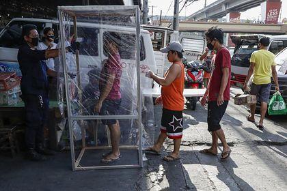 Филипинец нарушил карантината и заплашил полицай, а в резултат бил