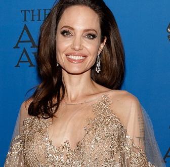 """Анджелина Джоли се включва в редакционния екип на списание """"Тайм""""."""