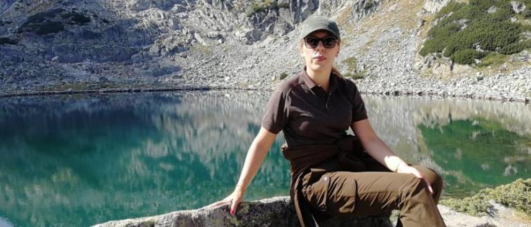 Вицепремиерът и министър на туризма Марияна Николова изкачи връх Мусала