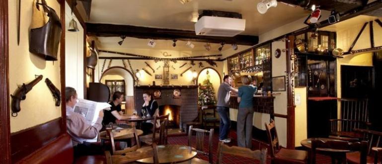 Кръчмите и ресторантите в Уелс няма да сервират алкохол и