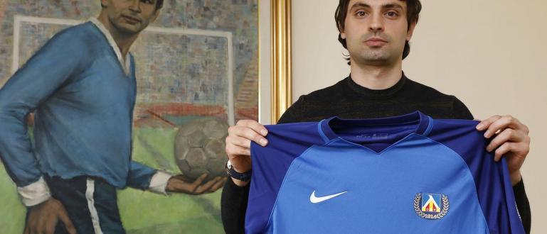 Мартин Райнов ще продължи да носи екипа на ПФК Левскии