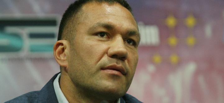 Българската звезда в професионалния бокс Кубрат Пулев отговори подобаващо на