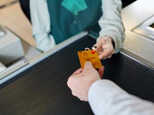 Обединена българска банка (ОББ) и Mastercard® дариха безвъзмездно близо 120