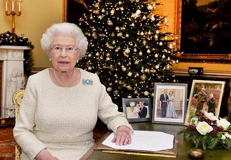 """Нов документален филм разкри как кралското семейство празнува празниците. """"Сандрингам:"""