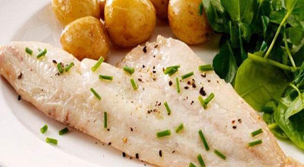 Традиционните подправки за риба са сол, черен пипер, бял пипер,