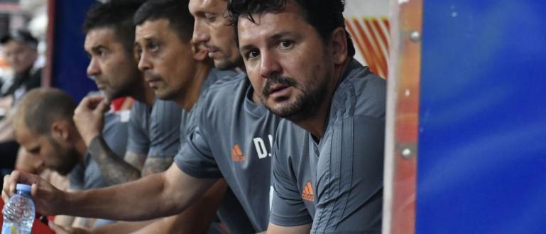 Стамен Белчев ще смени Милош Крушчич на треньорския пост в