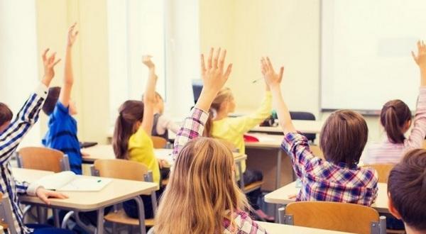 Учениците може да се върнат в клас наесен. Към решението