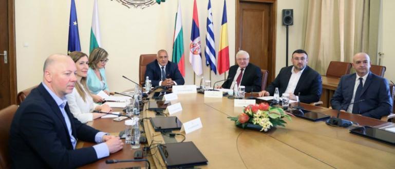 От час тече четиристранната среща между България, Гърция, Румъния и
