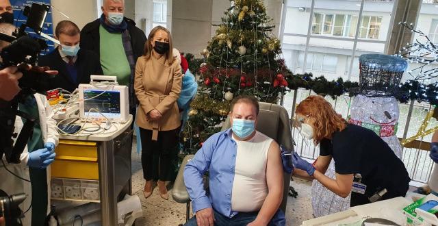 Председателят на Българския лекарски съюз д-р Иван Маджаров първи в