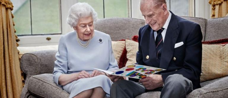 Коронавирусната пандемия накара британската кралица Елизабет ІІ и съпруга й