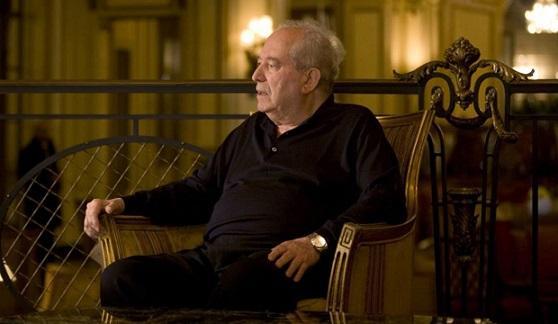 Италианският кинопродуцент Алберто Грималди, чието име се свързва с филмите