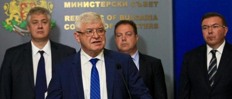 На редовното правителствено заседание се очаква да бъдат отпуснати 3