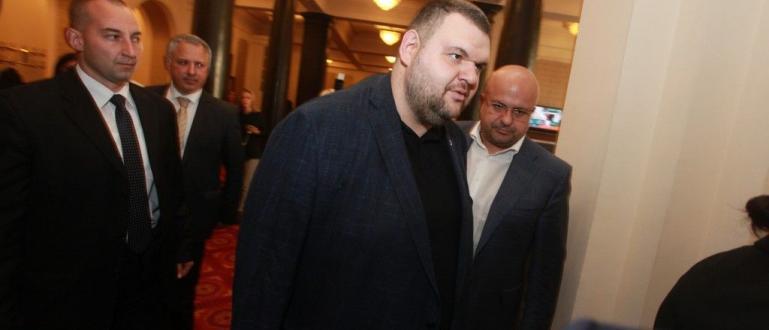 Народният представител Делян Пеевски към момента e най-големият дарител в