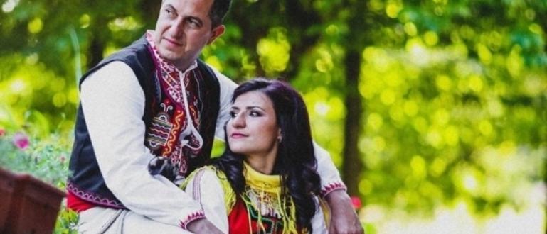 Стойка Петрова и нейният приятел Борил Кръстев вдигнаха автентична българска