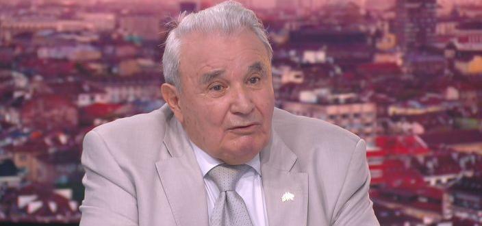 Грешка е, че КПКОНПИ разследва терасата на антикорупционния шеф Пламен