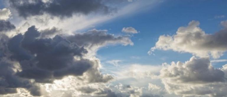Максималните температури ще са между 17° и 22° Днес облачността