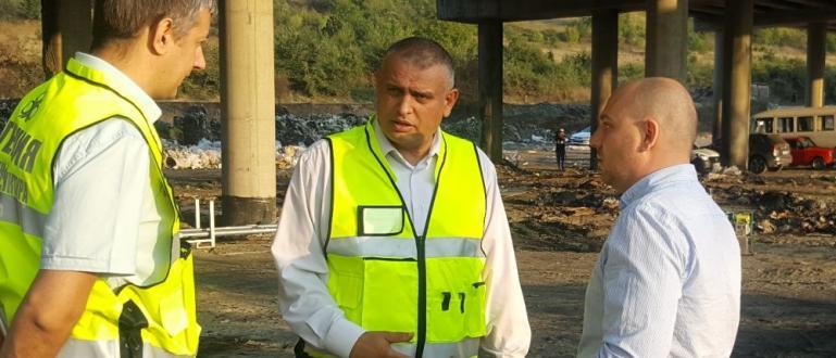 Изграждането на нов път в района между Младост и Горубляне,