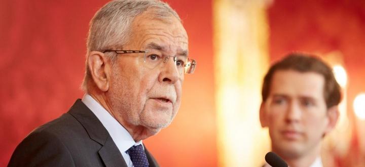 Политическата криза в Австрия се задълбочава. Президентът Александър ван ден