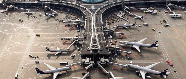Правителството на Русия е наредило на звеното за гражданска авиация