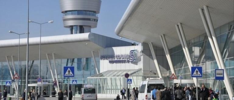 България не освобождава пристигащите у нас с ваксинационен сертификат от