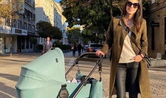 Луиза Григорова роди сина си Бран миналия септември и почти
