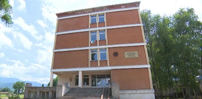 Зрелищна акция в ботевградско училище изправи на нокти учители и