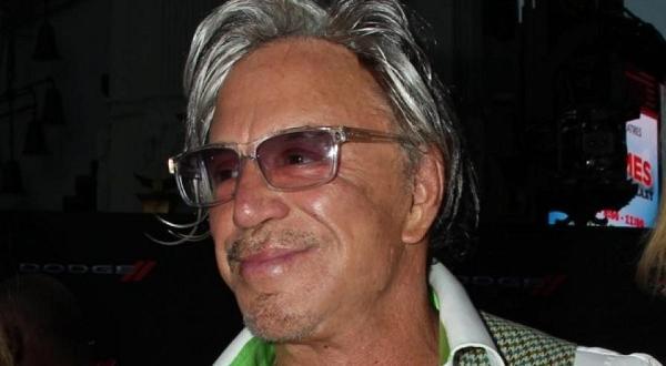 На 16 септември актьорът навърши 67 годиниХоливудският актьорМики Рурк иска