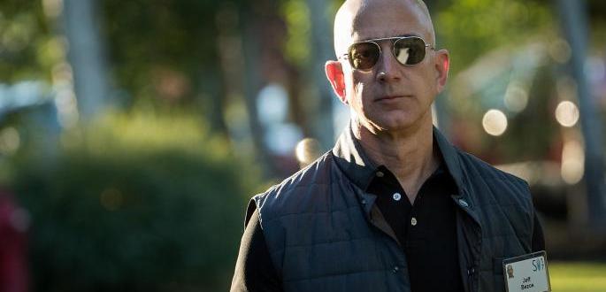 """Собственикът на американската компания """"Амазон"""" Джеф Безос отново оглави списъка"""