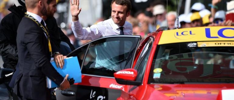Френският премиер Еманюел Макрон се превърна в най-голямата атракция на