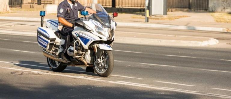 Полицаи с мотори преследваха мъж в района на Женския пазар,