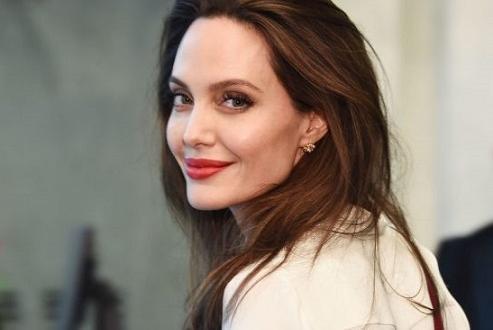 Анджелина Джоли смята, че Брад Пит е преобърнал живота на